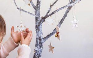 Embellecer Ramas Secas para Navidad