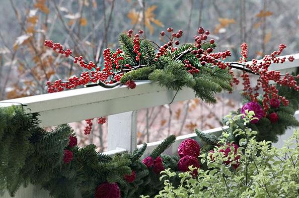 decorar la terraza de navidad con bayas