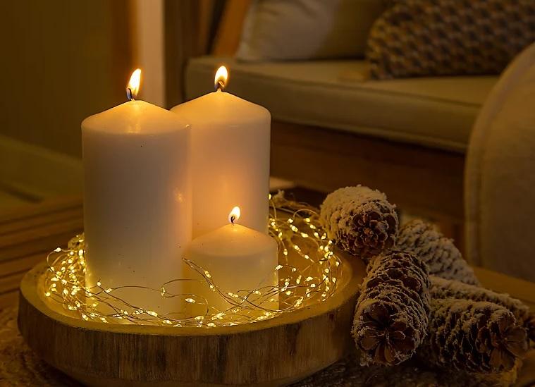 decorar la terraza de navidad con velas
