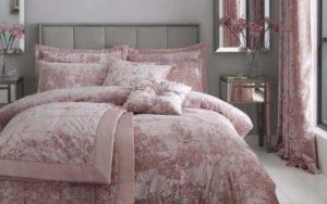cojines rosas de terciopelo