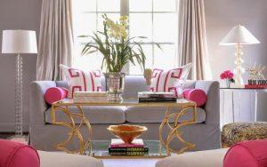 cojines rosas para decorar sofas grises