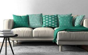 cojines verdes para sofás grises